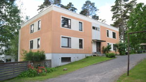 Huset på Jägarbacken där den unga flickan från Ekenäs mördades. Jaktvägen 3 A.