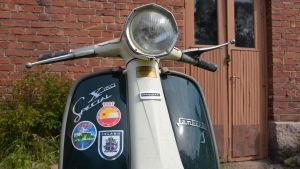 Lambretta-skoter från 1969.