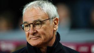 Claudio Ranieri var inte nöjd med att Leicester fick ett rött kort.