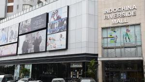 I alla stora städer har det öppnats nya shoppingcentrum. Det här finns i Danang som hör till landets mest välmående städer.