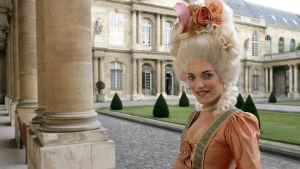 Skådespelerskan Roberta Valentini utklädd till Marie Antoinette i Paris.