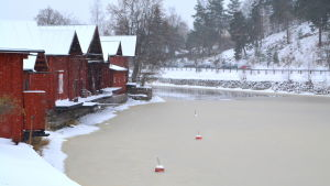 Ett svagt istäcke har redan bildats på Borgå å.