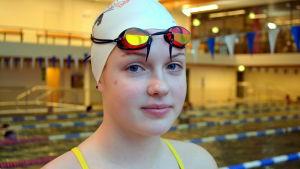 Sibboflickan Ada Nyström från föreningen Borgå Simmare kommer att tävla i juniorlandslaget.