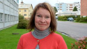 Annika Lassus.
