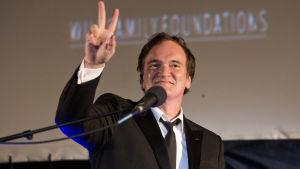 Quentin Tarantino håller tacktal efter att ha mottagit ett pris i Jerusalem i juli 2016.