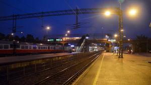 Karis tågstation en tidig septembermorgon.