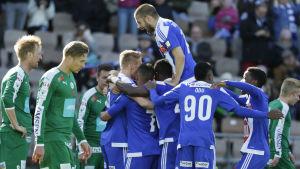 HJK fick med sig tre poäng från premiären.