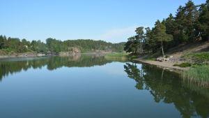 Vy över Bläsnäs badstrand i Pargas