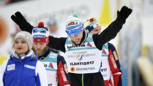 Iivo Niskanen på väg mot prispallen, VM 2017.