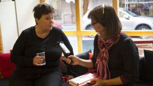 Lena Huldén och Anna Dönsberg