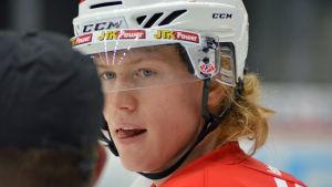 Robin Salo spelar back i Vasalaget Sport i ligan.