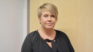Monica Kainulainen arbetar med missbrukarvård i Raseborg.