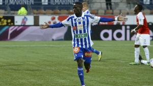 Demba Savage är fotbollspelare