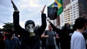 Demonstranter i Rio de Janeiro.