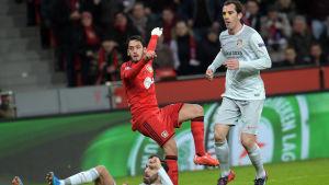 Hakan Calhanoglu gjorde 1-0 i lagens första möte.