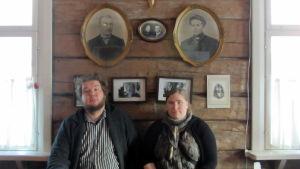 Laura ja Mikko Jalava ovat Jalavan kaupan uusi isäntäpari.