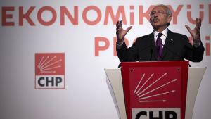 Republikanska folkpartiet CHP:s ledare Kemal Kilicdaroglu på valmöte