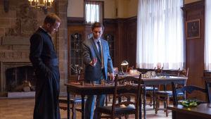 Peter Sarsgaard och Tobey Maguire i Pawn Sacrifice.
