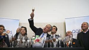 Den konservativa TV-kändisen Marcelo Rebelo de Sousa är klar förhandsfavorit i presidentvalet och kan vinna redan första omgången