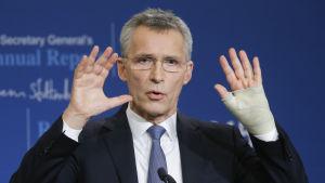 Jens Stoltenberg, Natos generalsekreterare.