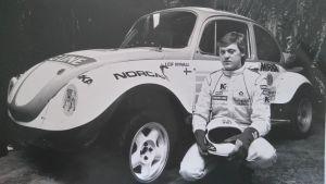 Tommi Nyvalls pappa med sin bil