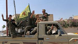 Den kurdiska milisstyrkan YPG utgör ryggraden i SDF som inleder en storoffensiv mot IS starkaste fäste Raqqa