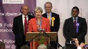 Storbritanniens premiärminister Theresa May talade efter att hon säkerställt sitt eget mandat i Maidenhead.