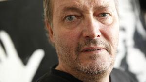 Peter Snickars i dokumentären Tills cancern skiljer oss åt