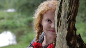Kirjailija Katja Kettu tunnetaan rehevästä ja runollisesta kielestä