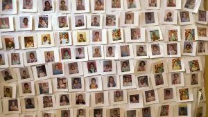 Bilder på flickor som har räddats undan könsstympning i Unicef-kampanjer, Etiopien.
