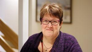 Huvudförtroendeman Eva-Maria Sundström säger att samhällsfördraget slår hårt mot vårdpersonalen.