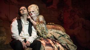 Tenori Daniel Frank Tannhäuserina ja sopraano Sara Olsson Venuksena Richard Wagnerin oopperassa Tannhäuser, Tukholman Kuninkaallinen ooppera.