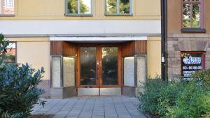 Ingången till Atlantis studion i Stockholm
