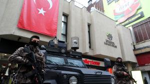 Turkiska specialstyrkor patrullerade i centrum av Istanbul 26.1.2017.