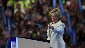 Hillary Clinton håller tal under demokraternas partikonvent 2016.