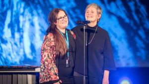 Regissören Solveig Melkeraaen och Tromsö filmfestival chef Martha Otte under invigningen av festivalen