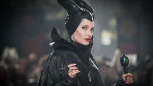 Angelina Jolie prisas för sin rolltolkning av Maleficent. Hon är som klippt och skuren för rollen.