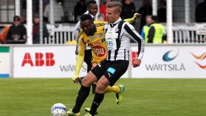 Sebastian Strandvall i en match mot HJK.