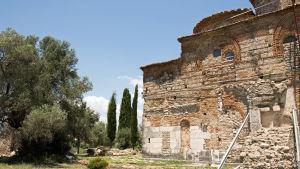 Kyrkoruin i byn Mesopotam i Albanien.