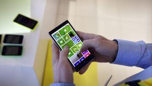 Nokias Windowstelefon förevisas för media 2014.