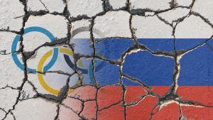 Olympiska ringar och Rysslands flagga.