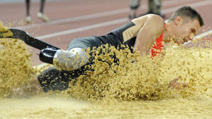Markus Rehm hoppar längd.