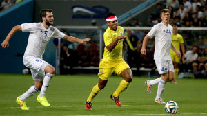 FC Astana (i vita tröjor) blev förra säsongen utslagna ur Europaspelet mot spanska Villarreal i gult.