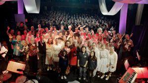 Esiintyjät Haaveille siivet -konsertissa 8.3.2016