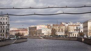 Pietarin kaupunkinäkymä ja Neva-joki