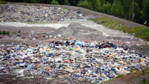 Deponerat avfall på Domargårds evstjälpningsplats