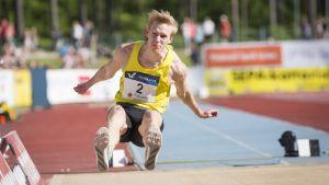 Kristian Pulli hoppar längd, Lapinlahti 2017.