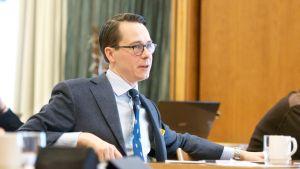 SFP:s partiordförande Carl Haglund på fullmäktigekonferens i Karleby 6.2.2016.
