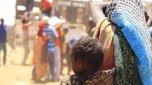 mamma och barn i somaliland