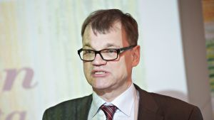 Centerns partiordförande Juha Sipilä vid partiets EU-valskampanjöppning i Helsingfors den 3 april 2014.